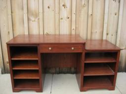 customflatdesk922102.jpg